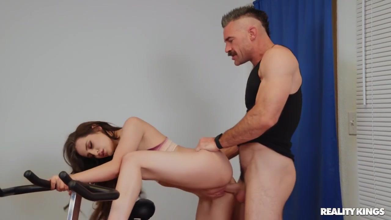 Sneaky Sex – Aubree Valentine Booty Camp